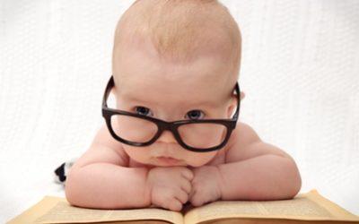 Macht es Sinn, einem Baby etwas vorzulesen?